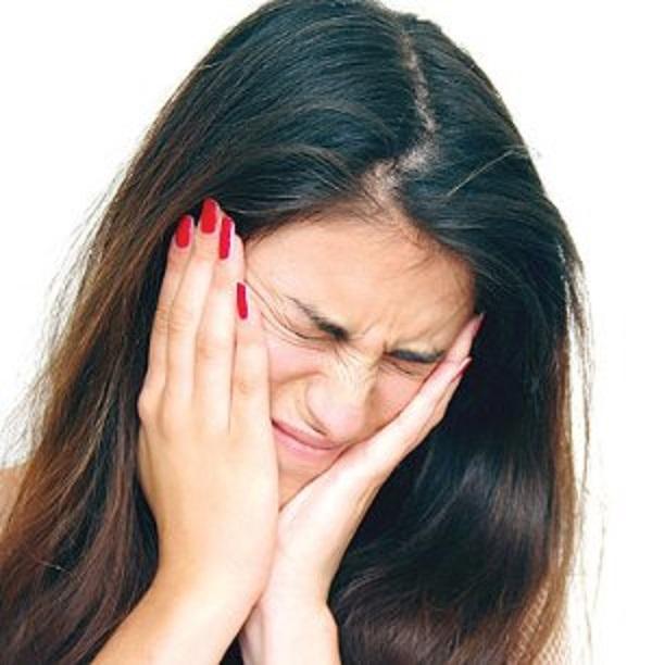 Боль при невралгии тройного нерва