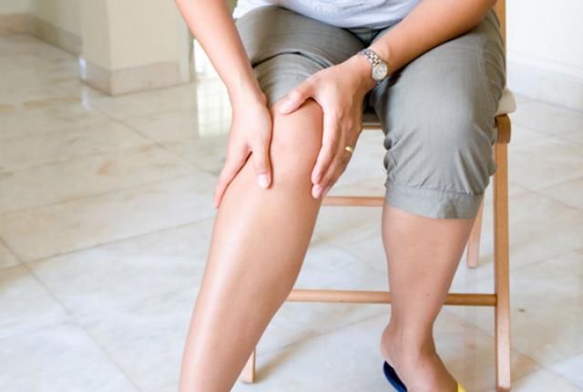 Часто подвижность ног ограничена отеком и болью