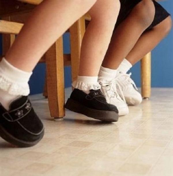 Нарушение циркуляции крови является причиной боли в ногах у детей