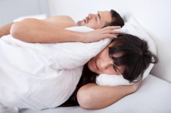 К расстройствам сна относятся нарушения дыхания во время сна