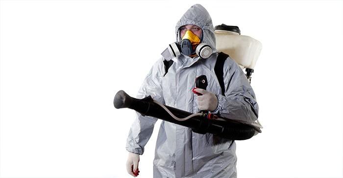 Специалист по истреблению насекомых