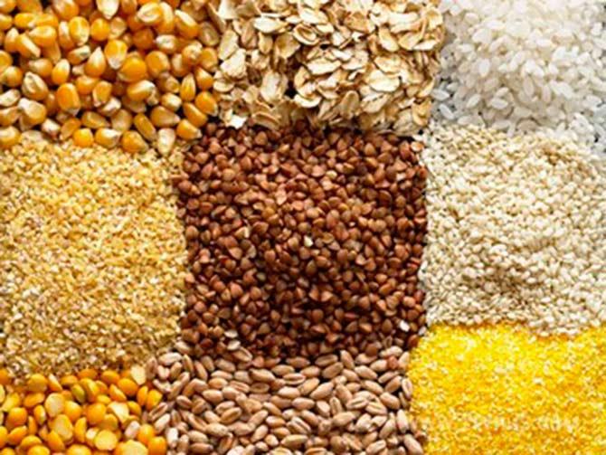Все продукты из пшеницы, пшеничные отруби;  Кукурузные отруби;  Орехи и семечки