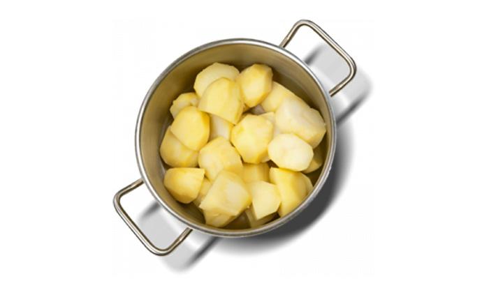 При варке картофеля теряется от 80 до 90% витамина С