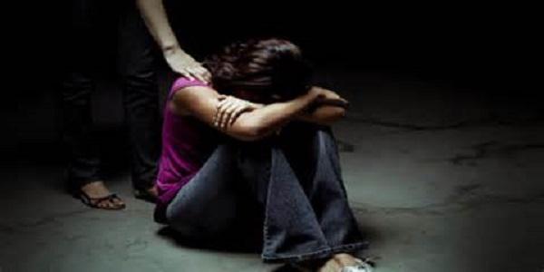 Риск развития алкогольного галлюциноз увеличивается при долгосрочном злоупотреблении алкоголя
