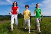 Палки для скандинавской ходьбы - тренажер, который дарит здоровье
