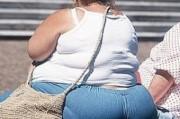 От избыточного веса люди умирают чаще,  чем от недоедания