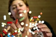 Украинцев предупреждают об угрозе, скрытой в аптечных фальшивках