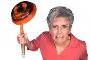 В качестве основного двигателя женской жестокости выступает ген «злой матери»
