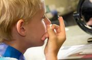Ученые заговорили об избавлении детей от близорукости